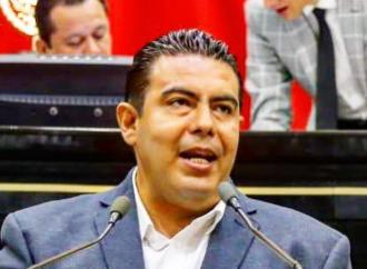 Busca Ricardo Serna que se prohíba obstrucción y apartado de la vía pública