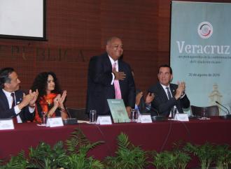 Presentan libro _Veracruz: un protagonista en la conformación del Estado mexicano_ en el Senado de la República