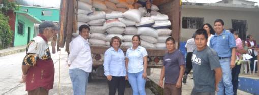 Entregan fertilizantes a productores de café en Pueblo Viejo
