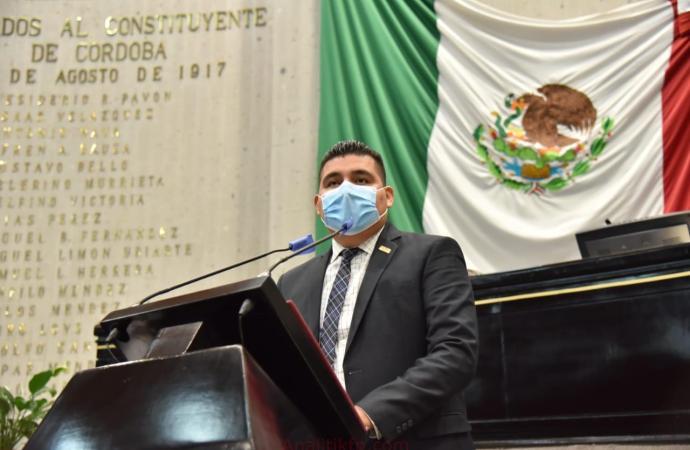 Busca Nahúm Álvarez prevenir el robo de material genético a comunidades indígenas