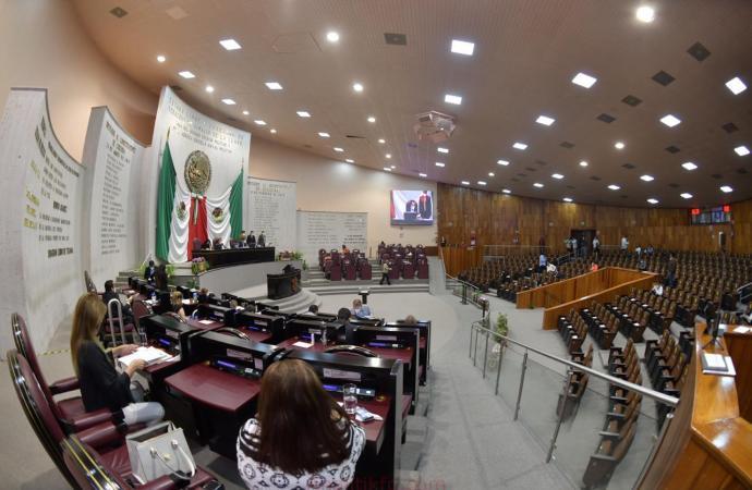 Recibe Congreso Iniciativa del Gobernador en materia de servicios del Estado