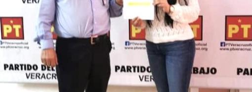 Renuncia a Podemos y candidatura por alcaldía de Misantla