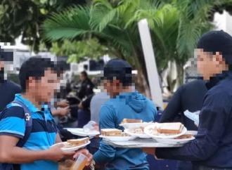 Rescata Policía Estatal a 85 migrantes e interviene a dos en Minatitlán