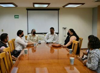 Atendió el Secretario de Educación Roberto Zenyazen las peticiones de padres de familia de Xalapa y Papantla