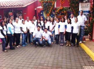 Estudiantes de Teocelo solicitan el apoyo del gobernador para reanudar el servicio de transporte Teocelo – Avenida Ruíz Cortines