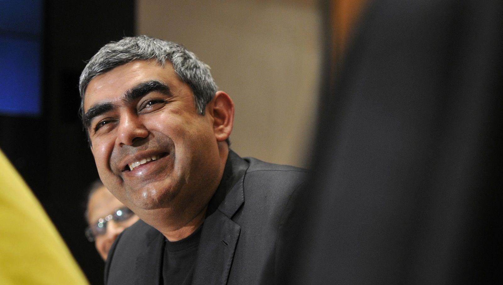 In an interesting development infosys ceo vishal sikka was chauffeured to work in a driverless autonomous golf cart which is built by the company s