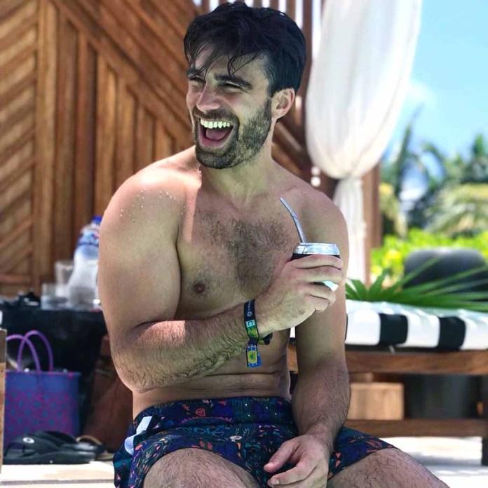 Santiago es uno de los nuevos galanes de novelas de Televisa