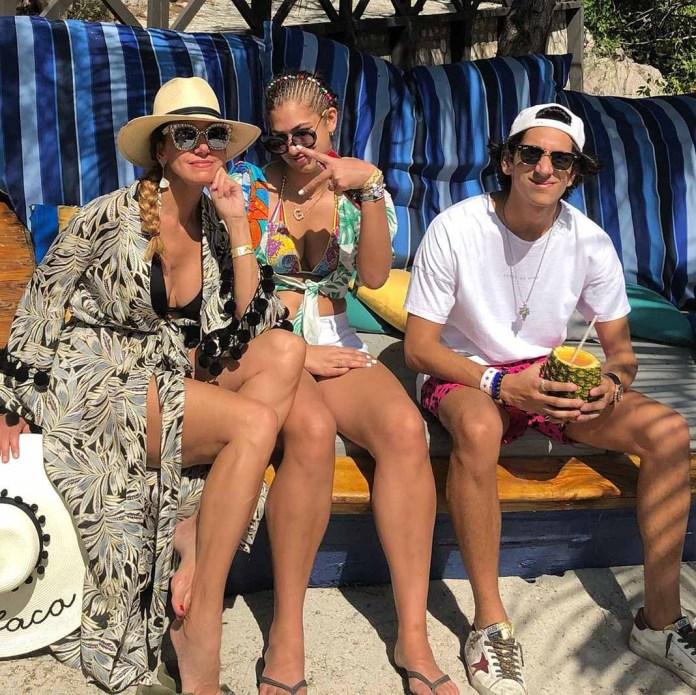 La cubana con sus hijos, pasando momentos de calidad y mucho sol