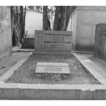 Tumba de Alfonso Villegas Restrepo - Leonor López De Villegas y Jose A Villegas Lopez
