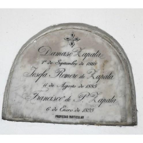 Tumba de Damaso Zapata- Josefa Romero de Zapata y Francisco de P Zapata