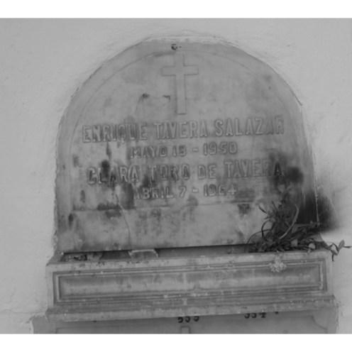 Tumba de Enrique Tavera Salazar y Clara Toro De Tavera