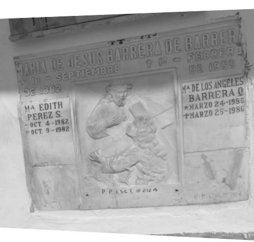 Tumba de María De Jesús Barrera De Barrera