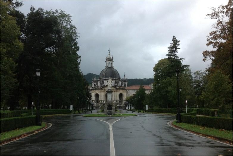 """""""Vista de la Basílica de San Ignacio de Loyola. Azpeitia. Guipúzcoa, Pais Vasco, España""""."""