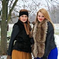 #OUTFIT -BOLD COLOURS IN THE SNOW