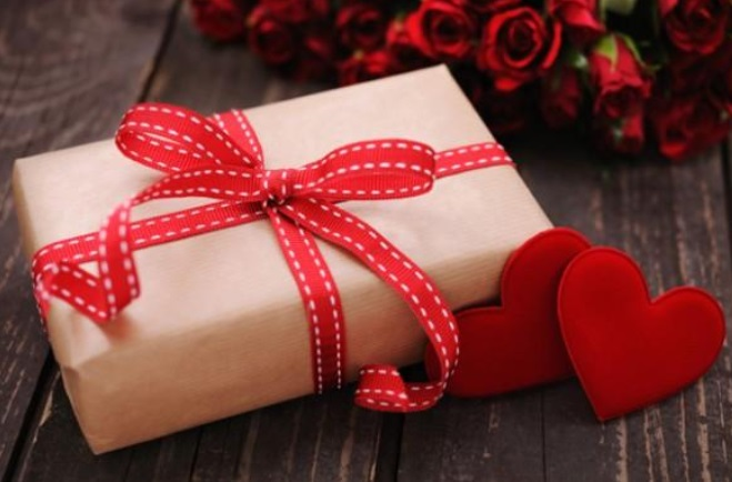 15 Thoughtful Valentine's Day Gifts That Aren't Chocolate Or Rose