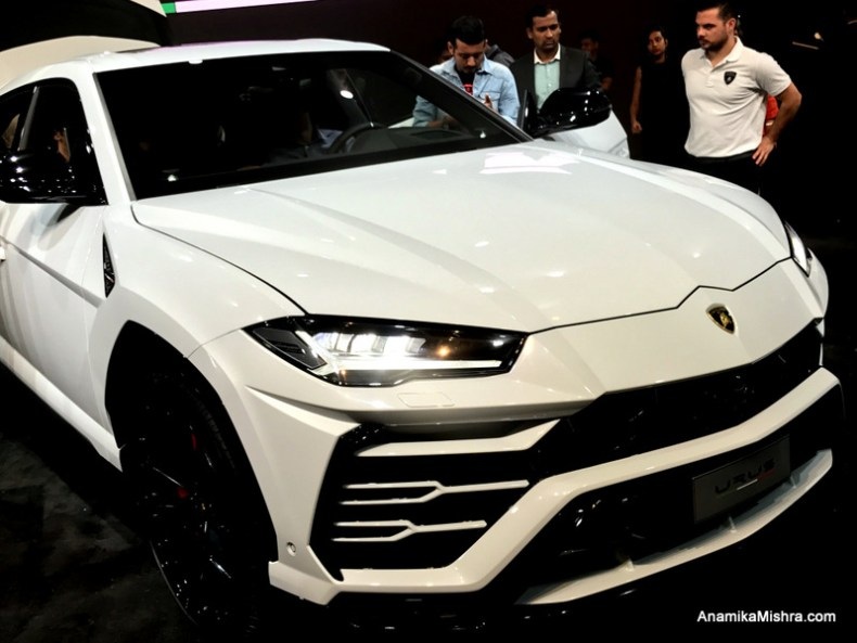 Lamborghini Urus -World's First & Fastest Super SUV