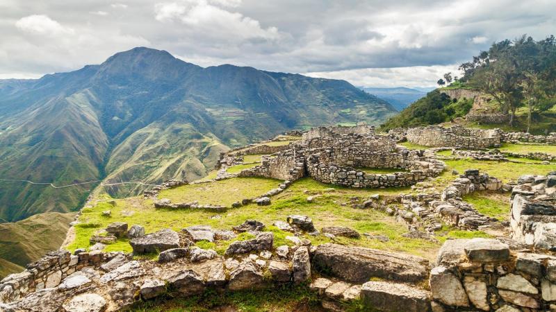 في أي قارة تقع البيرو