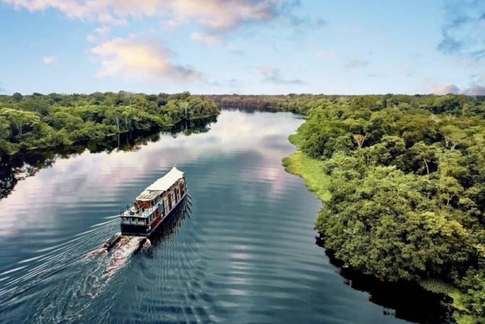 كم يبلغ طول نهر الأمازون انا مسافر