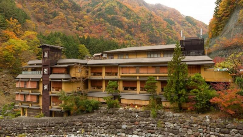 أقدم الفنادق في العالم