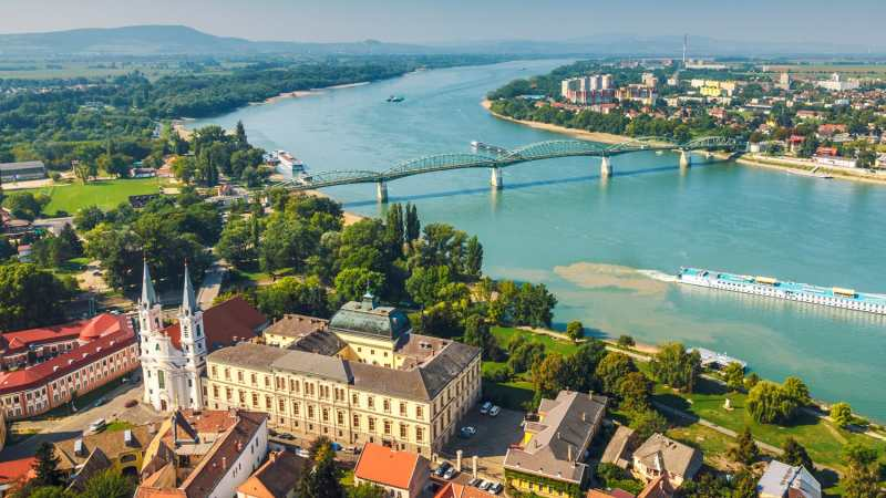 ما هي الانهار الرئيسية في المجر