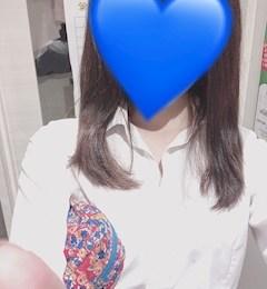 新橋キャバクラ【an_an(アンアン)】100%現役女子大生ラウンジ りこ プロフィール写真
