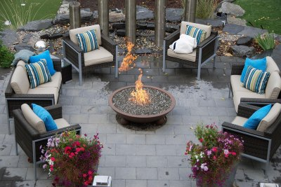 outdoor-fireplace-courtyard-009
