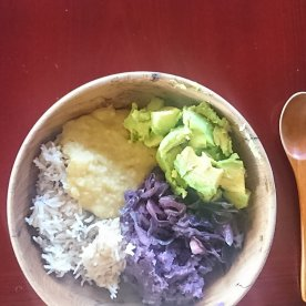 11/13 昼 白米と玄米ハーフハーフ・さつまいも・キャベツ・ひきわりムング豆