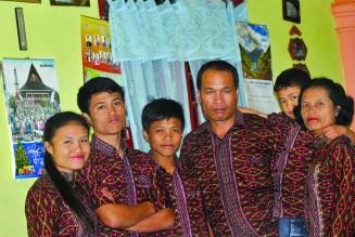 Alfian Purba Tamsar bersama Istri dan Anak anak (Foto dok. Pribadi)