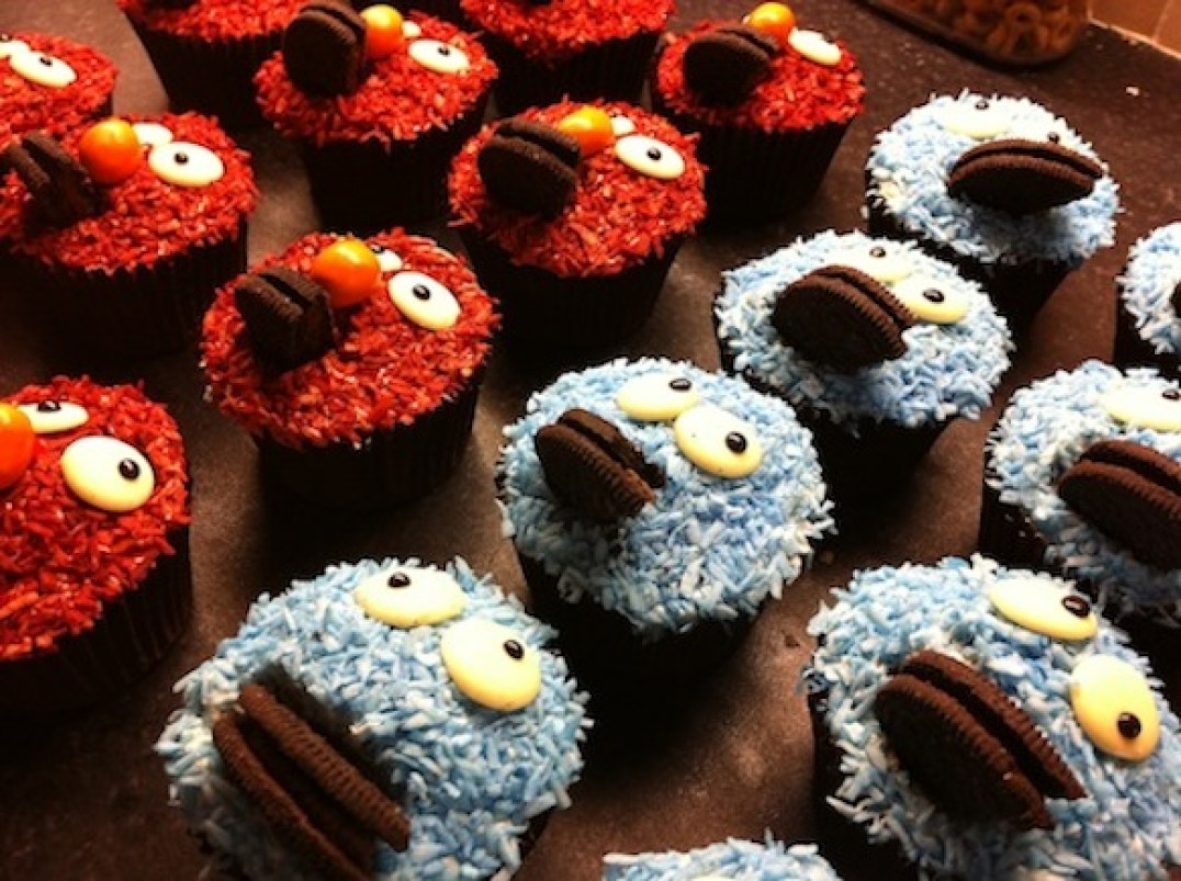 Elmo & Cookie Monster Cupcakes