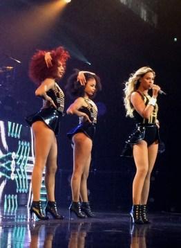 Beyonce-MrsCarter2014-Glasgow15