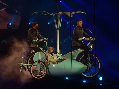 Take That Glasgow 2nd May 2015- Bicycle
