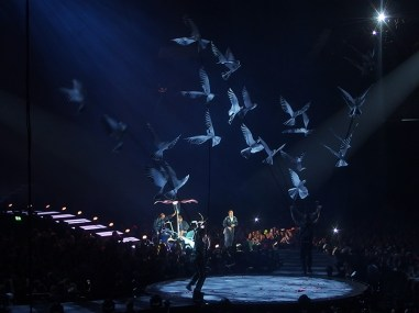 Take That Glasgow 2nd May 2015- Flying Birds