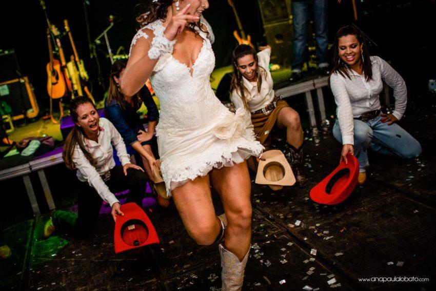 stylish country wedding dance