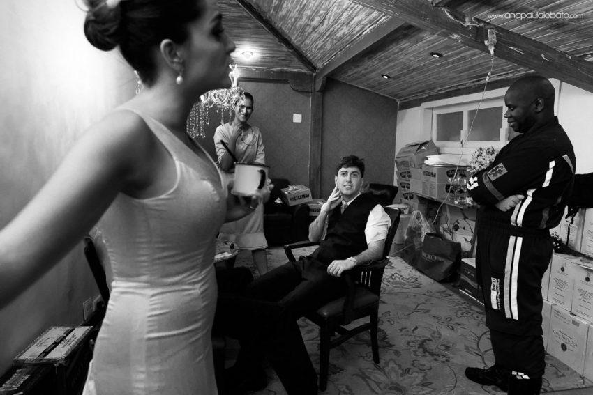 noivo recebe glicose em seu casamento