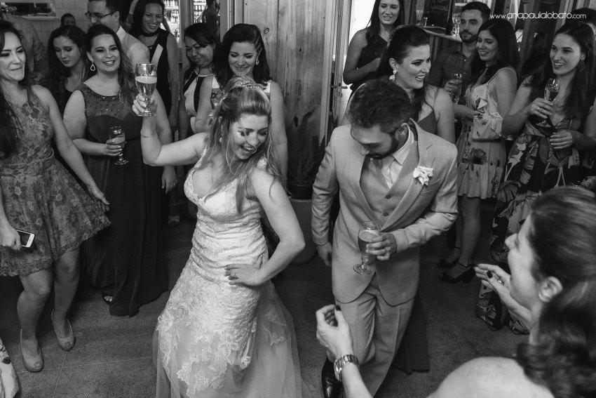 wedding dance between happy couple