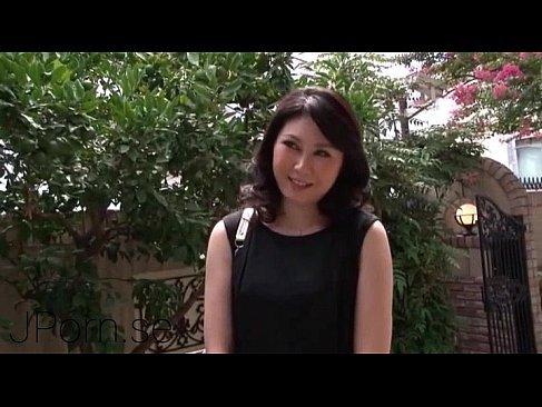 上品そうな素人の熟女達が夫婦生活に飽きてポルノビデオに出演するアナル動画無料日本人