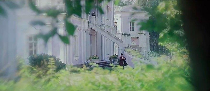 """Усадьба Николо-Прозорово, кадр из фильма """"Лес"""""""