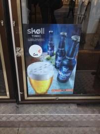 "Ah, tinha cerveja ""skoll"" na França também! haha"