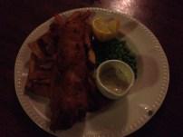 Fish and chips do George Inn, um dos pubs mais antigos ainda em funcionamento em Londres