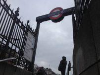 Uma das saídas da Charing Cross