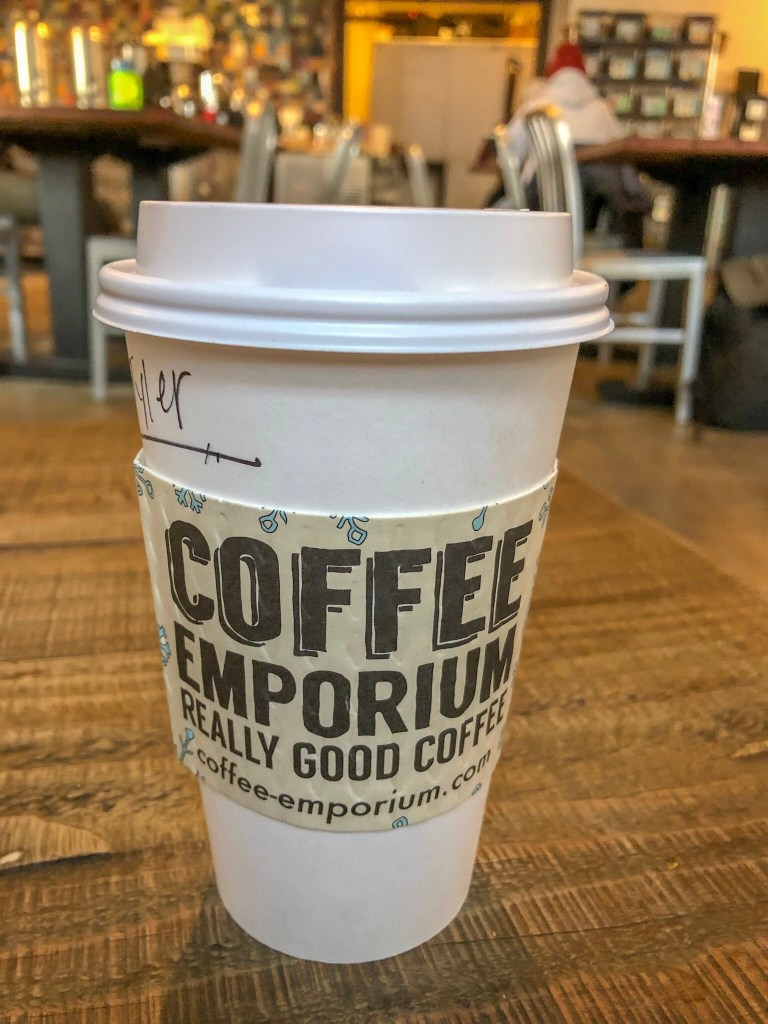 As someone who lives in Cincinnati, I think I can safely say I know where to get the best coffee. So I've compiled a list of my favorite Cincinnati coffee shops just for you! | An Aspiring Heroine