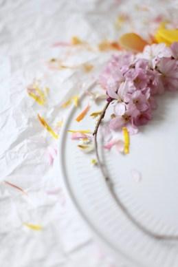 colorful spring wreath via anastasiabenko.com