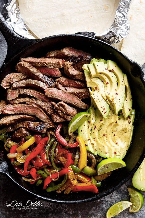 Chilli Lime Steak Fajitas. 8 easy healthy dinner recipes for weight loss – make clean eating a habit! I gathered recipes, which can be cooked in under 30 min – healthy dinner chicken recipes, salads, crock pot recipes. You can adopt these easy healthy dinner recipes for two or for family. #recipe #weightlossrecipes #dinner