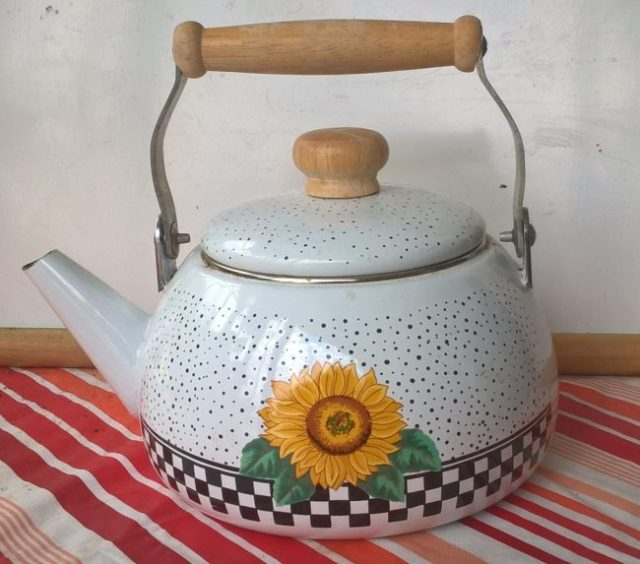 grandmother's cheap little teakettle
