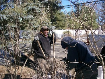 Anastasio Fence Company fixes fences in the winter