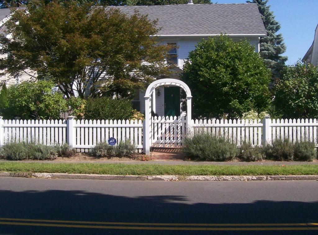 Picket Fences 14