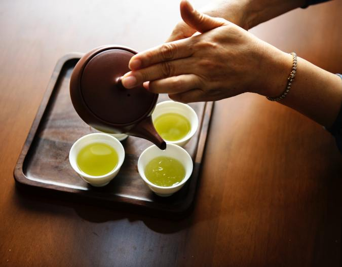 natural remedies for stopping a cold, herbs, tea