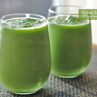 Green Smoothie with Lime Essential Oil