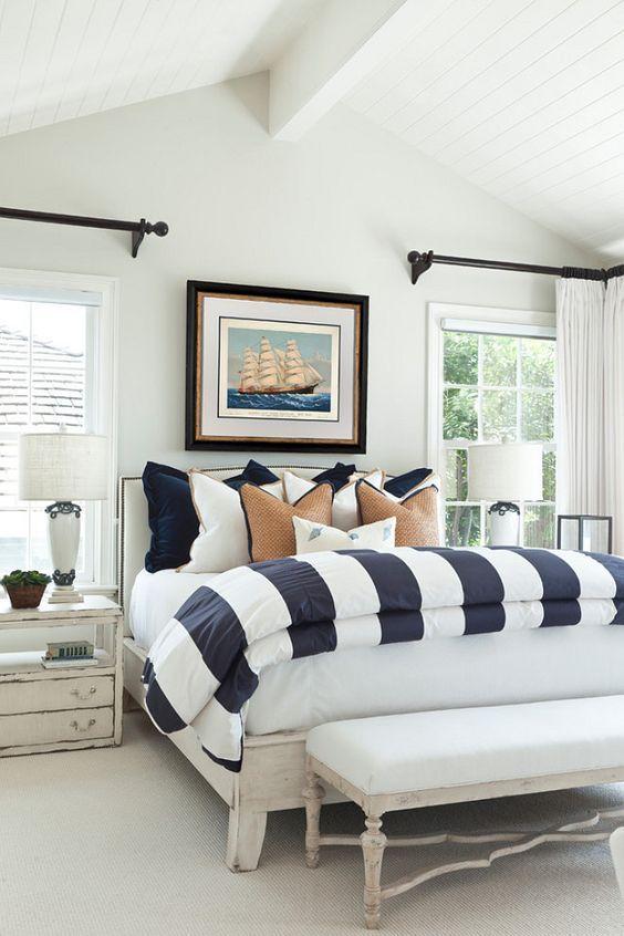 Decoración de interiores de estilo náutico para una habitación principal