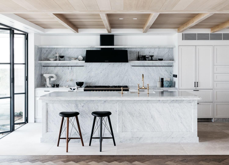 Decoración de interiores de cocina de estilo francés elegante minimalista